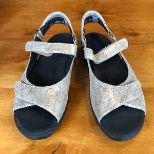Wolky women's Velcro sandals size 10